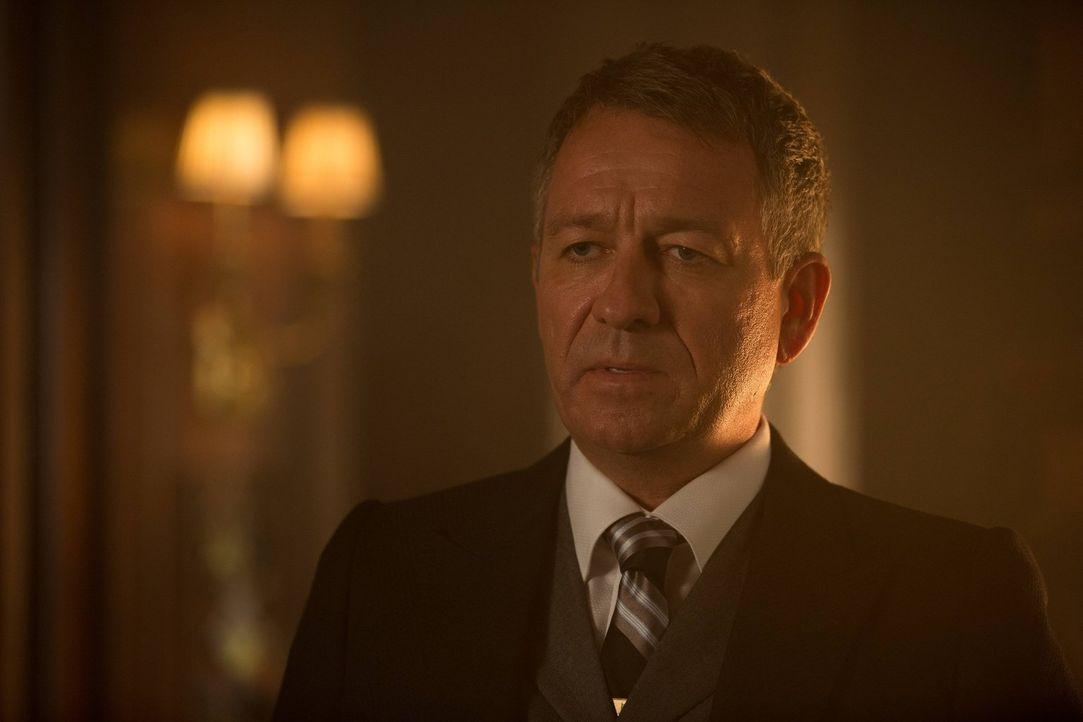Sorgt sich weiter um Bruce: Alfred (Sean Pertwee) ... - Bildquelle: Warner Brothers