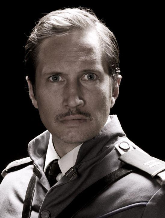 Meldet sich für ein Himmelfahrtskommando: Leutnant Maximilian von Steiner (Benno Fürmann) ... - Bildquelle: 2008 Campfame Limited. Mutant Chronicles International, Inc. All rights reserved.