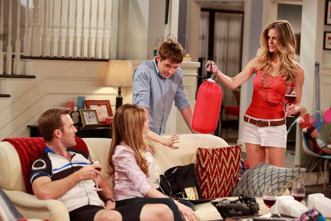 Während Bobby (Kevin Connolly, 2.v.r.) und Andi (Majandra Delfino, 2.v.l.) sich schon lange Jahre in einer glücklichen Ehe befinden, beginnt für Wil... - Bildquelle: 2013 CBS Broadcasting, Inc. All Rights Reserved.