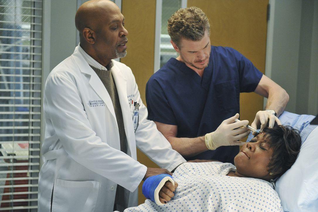 Richard Webbers Frau Adele (Loretta Devine, r.) wird im Krankenhaus von Mark (Eric Dane, M.) behandelt. Bailey vermutet zunächst Tablettenmissbrauc... - Bildquelle: ABC Studios