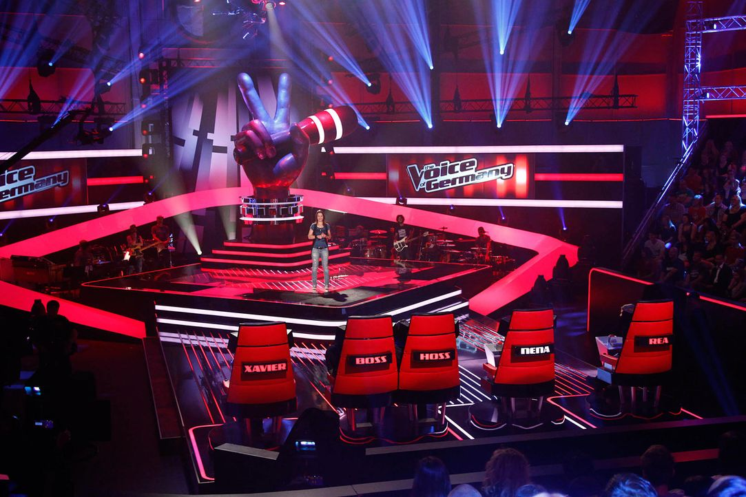 isabell-02-the-voice-of-germany-staffel-2-epi06-showjpg 2000 x 1333 - Bildquelle: SAT.1/ProSieben/Richard Hübner