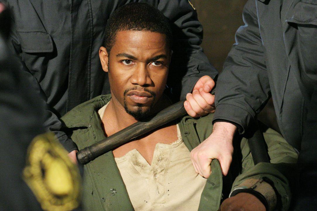 George Chambers (Michael Jai White) wird zu Unrecht in Russland festgehalten. Als er denkt, es kann nicht schlimmer werden, wird er in das härteste... - Bildquelle: Nu Image Films