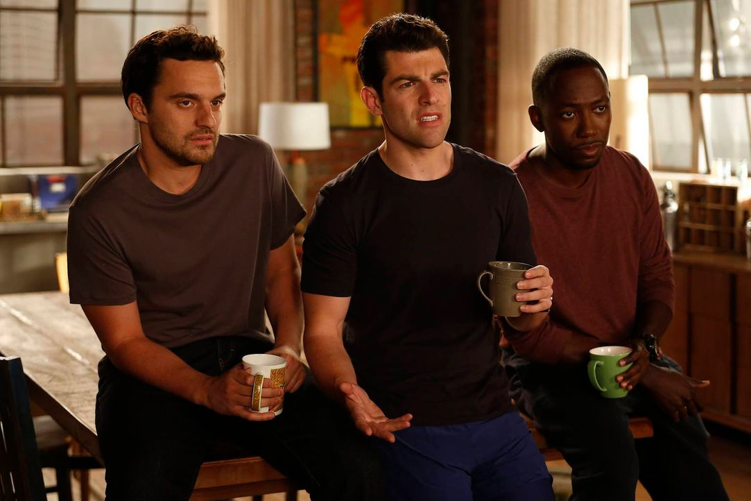 "Die ""neue"" Jess, die plötzlich kocht, putzt und bastelt, geht Nick (Jake Johnson, l.), Schmidt (Max Greenfield, M.) und Winston (Lamorne Morris, r.)... - Bildquelle: 2012 Twentieth Century Fox Film Corporation. All rights reserved."