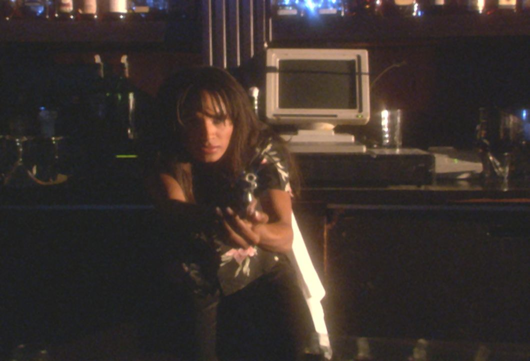 Schon bald muss Sandra (Traci Bingham) erkennen, dass der Mörder mitten unter ihnen weilt ... - Bildquelle: Royal Oaks Entertainment Inc.