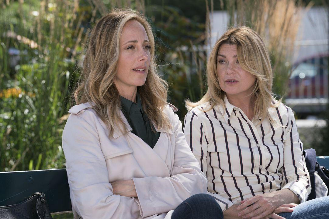 Dr. Teddy Altman (Kim Raver, l.); Dr. Meredith Grey (Ellen Pompeo, r.) - Bildquelle: Derek Johnson ABC Studios/Derek Johnson