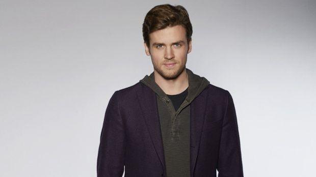 Cameron Black (Jack Cutmore-Scott)