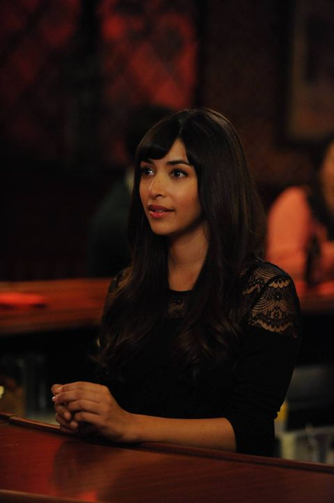 Cece (Hannah Simone) trifft auf einen attraktiven Mann, der allerdings viel jünger ist als sie, während Jess einen neuen Lehrer an ihrer Schule eins... - Bildquelle: TM &   2014 Fox and its related entities. All rights reserved.