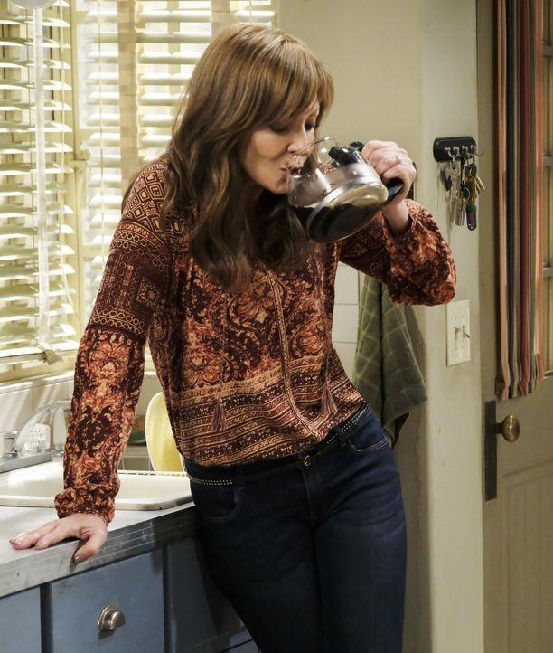 Versucht, dem Kaffee abzuschwören: Bonnie (Allison Janney) ... - Bildquelle: 2017 Warner Bros.