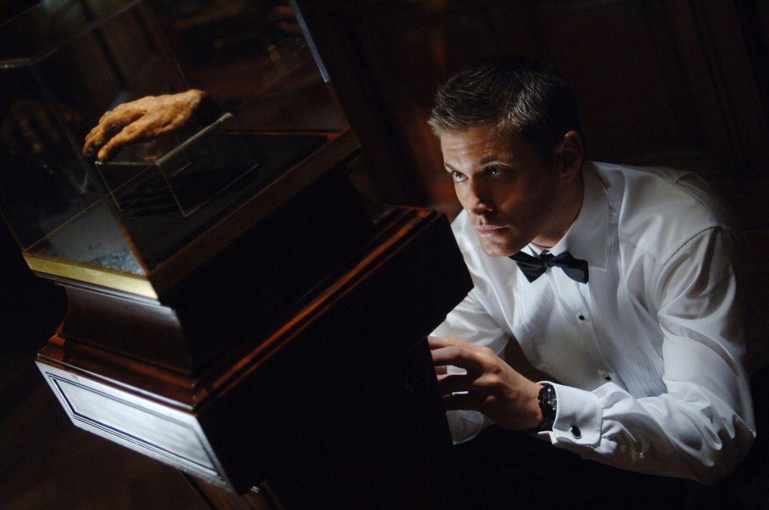 Dean Winchester (Jensen Ackles) untersucht eine Reihe mysteriöser Todesfälle. Die Opfer sind alle ertrunken, aber am Fundort der Leichen war weit... - Bildquelle: Warner Bros. Television