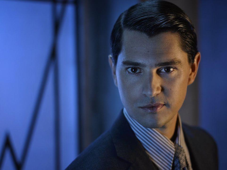 (2. Staffel) - Gilt als einer der wenigen seiner Art, der nicht korrupt ist und sich nicht bestechen lässt: Staatsanwalt von Gotham City Harvey Dent... - Bildquelle: Warner Brothers