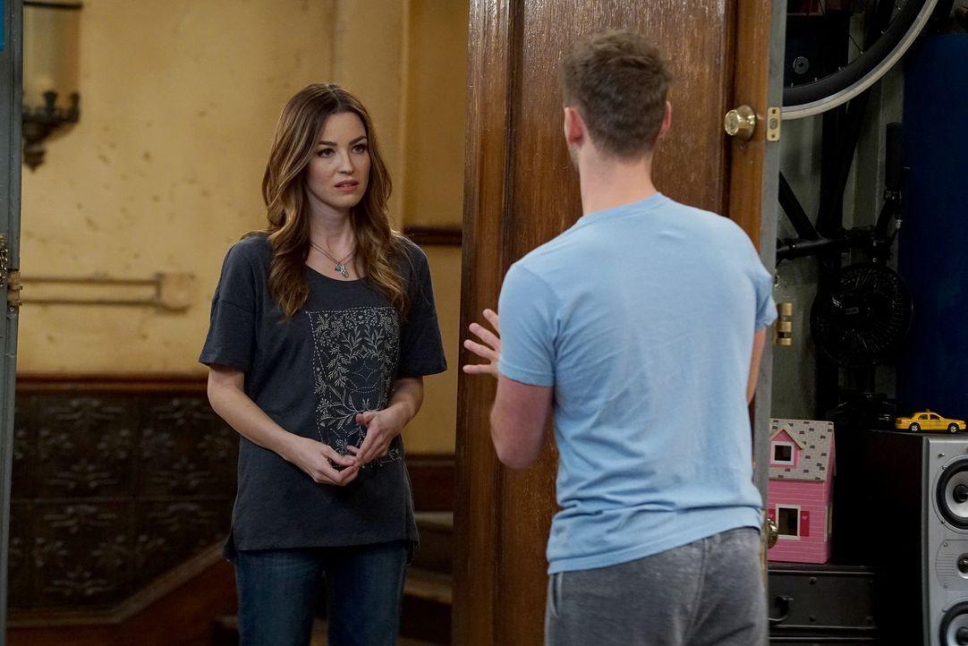 Ben Wheeler (Jean-Luc Bilodeau, r.) versucht Zoey (Jonna Walsh, l.) zu überreden mit ihm zusammen zu sein, doch das ist nicht so einfach ... - Bildquelle: Eric McCandless ABC Family / Eric McCandless