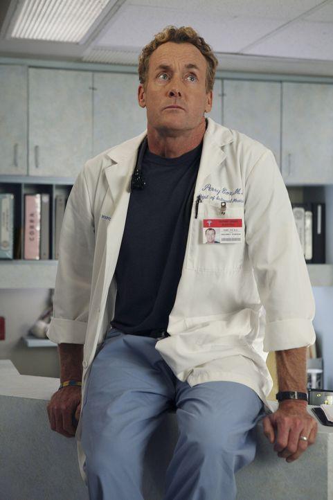 Er hat immer das letzte Wort: Auch beim Streit mit Elliott gibt Dr. Cox (John C. McGinley) nicht klein bei ... - Bildquelle: Touchstone Television