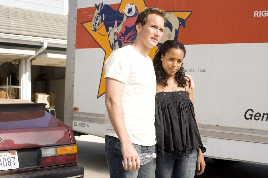 Lisa (Kerry Washington, r.) und Chris (Patrick Wilson, l.) sind frisch verheiratet, und ziehen glücklich ins erste Eigenheim. Doch die gemischtrass... - Bildquelle: 2007 Screen Gems, Inc. All Rights Reserved.