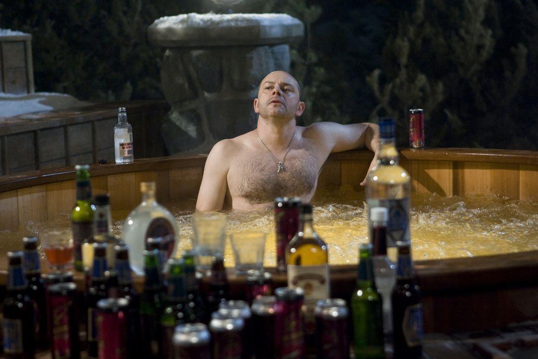 """Als Lou (Rob Corddry) das illegale Rauschmittel """"Chernobly"""" über die Elektronik des Whirlpools schüttet, landen er und seine badenden Freunde im Jah... - Bildquelle: 2010 Twentieth Century Fox"""