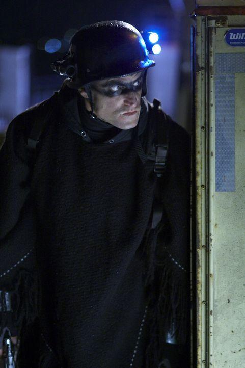 Getarnt als Superheld namens Defendor legt sich der harmlose, aber etwas einfältige Arthur Poppington (Woody Harrelson) mit den Bösewichten der We... - Bildquelle: 2009 Darius Films Inc. All Rights Reserved.