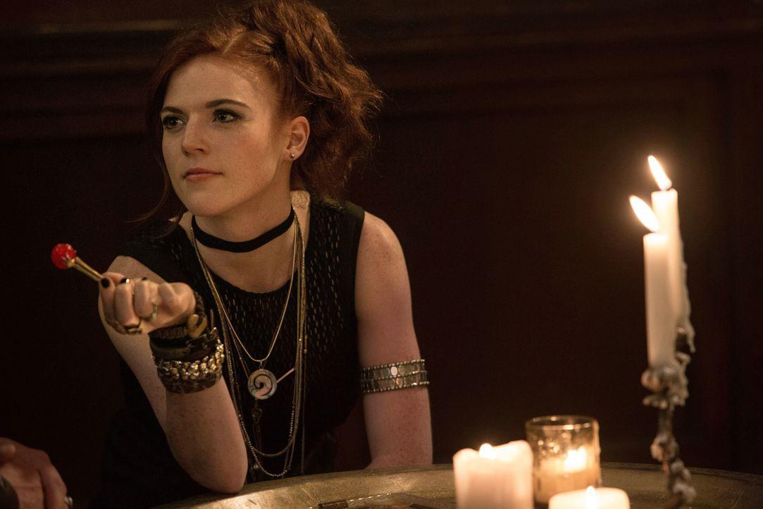 Chloes (Rose Leslie) Leben ändert sich schlagartig, als ein Hexer ihre Freundin tötet und sie sich dem Hexenjäger Kaulder anschließt ... - Bildquelle: 2015 Concorde Filmverleih GmbH