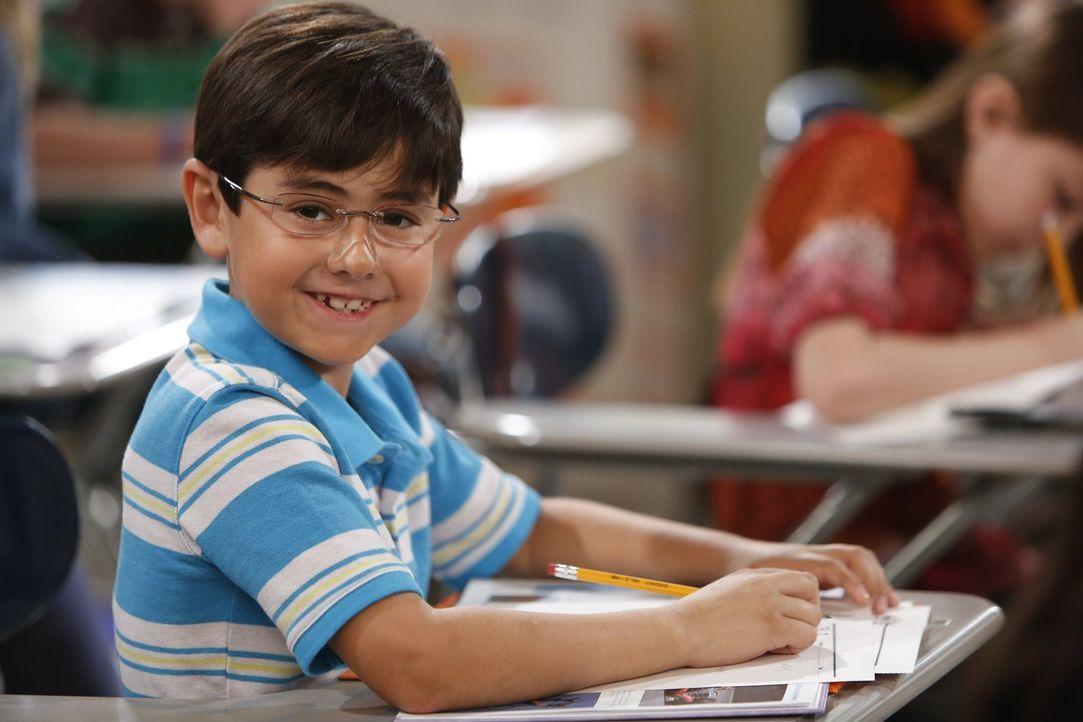 Christys Sohn Roscoe (Blake Garrett Rosenthal) hat's nicht leicht: Durch seine chaotische Mom wird er vor seinen Mitschülern immer wieder in peinlic... - Bildquelle: Warner Bros. Television