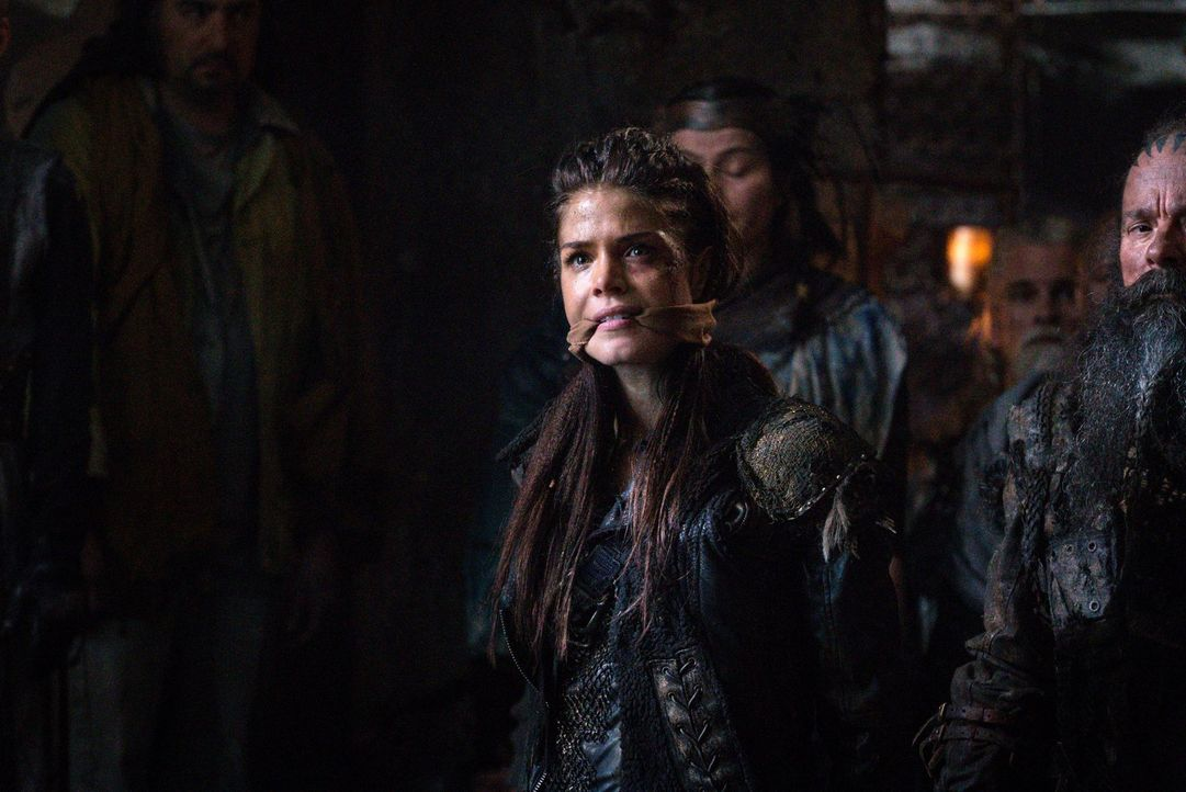Octavia (Marie Avgeropoulos) ist zwischen den Groundern und den Skypeoplen mehr denn je hin und hergerissen, während Murphy und Clarke eine erstaunl... - Bildquelle: 2014 Warner Brothers
