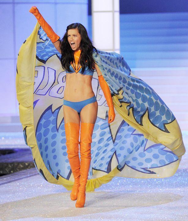 victoria-secret-fashion-show-2011-33-adriana-lima-afpjpg 1618 x 1900 - Bildquelle: AFP