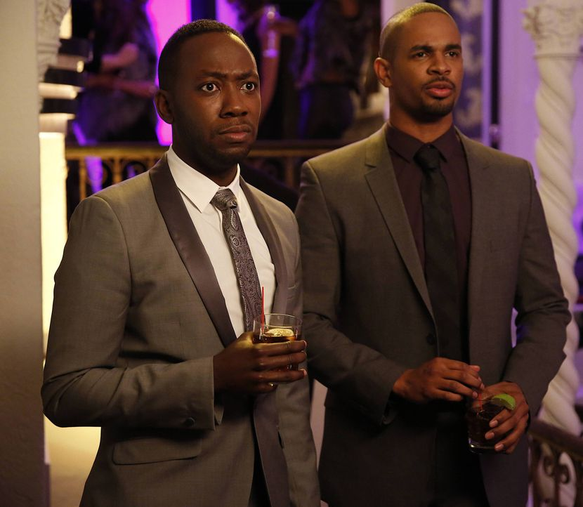Winston (Lamorne Morris, l.) und Coach (Damon Wayans Jr., r.) müssen überraschend feststellen, dass sie eigentlich kein schlechtes Team abgeben ... - Bildquelle: 2014 Twentieth Century Fox Film Corporation. All rights reserved.