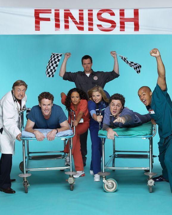 (2. Staffel) - Die Belegschaft des Sacred Heart Hospitals muss täglich mit neuen Überraschungen rechnen: J.D. (Zach Braff, 2.v.r.), Turk (Donald Fai... - Bildquelle: Touchstone Television