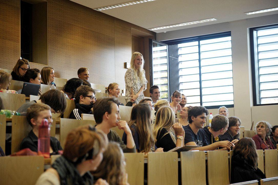 GNTM-Stf09-Epi01-Abholung-18-ProSieben-Oliver-S - Bildquelle: ProSieben/Oliver S.