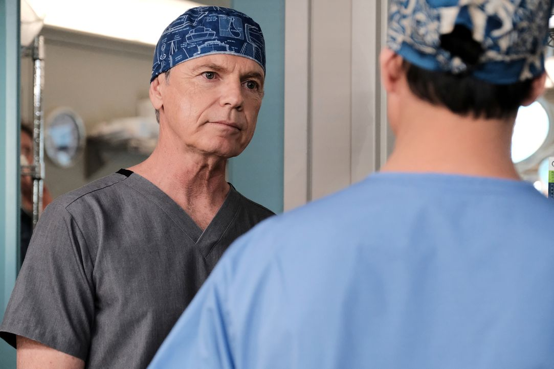 Ist Dr. Bell (Bruce Greenwood) wirklich für den Ausbruch eines Feuers während einer Operation verantwortlich? - Bildquelle: Guy D'Alema 2018 Fox and its related entities.  All rights reserved./ Guy D'Alema