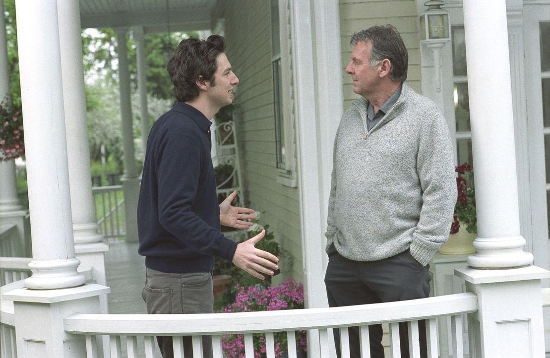 Michael (Zach Braff, l.) weiß, dass er Scheiße gebaut hat und hofft nun, über Jennas Vater Steven (Tom  Wilkinson, r.) wieder Zugang zu seiner schwa... - Bildquelle: DreamWorks Pictures