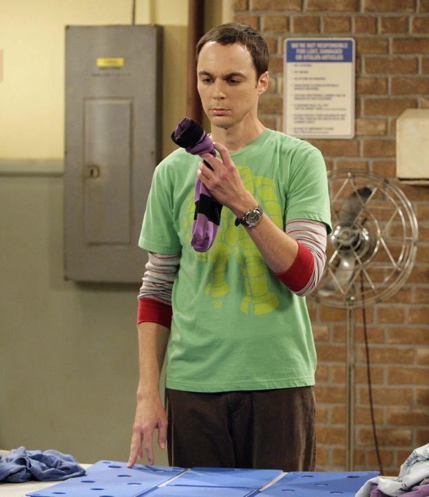 Penny vertraut Sheldon (Jim Parsons) ein Geheimnis an. Der kommt jedoch nicht damit klar und seine nervösen Ticks schlagen erneut durch ... - Bildquelle: Warner Bros. Television