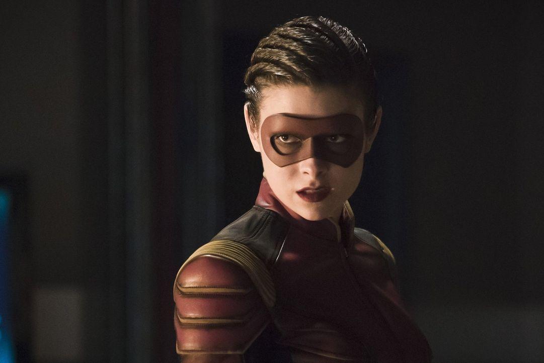 Eliza alias Trajectory (Allison Paige) ist gefesselt von der Wirkung der Schnelligkeit, aber wird der Grund für ihr unerwartetes Talent sie in den W... - Bildquelle: Warner Bros. Entertainment, Inc.