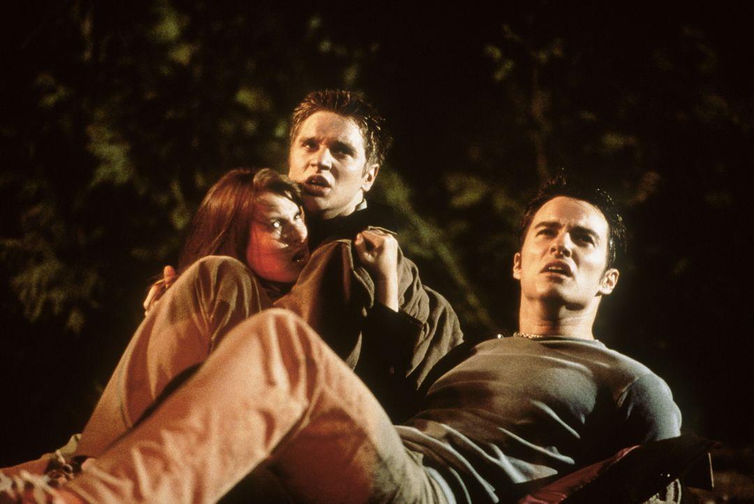"""Auf dem Weg zum """"final destination"""": Alex (Devon Sawa, M.), Clear (Ali Larter, l.) und Carter (Kerr Smith, r.) ... - Bildquelle: New Line Cinema"""