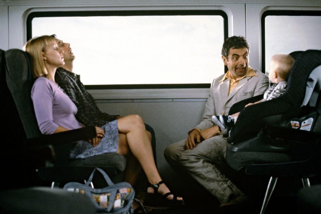 Lässt sich nicht unterkriegen: Enrico (Rowan Atkinson, r.) ... - Bildquelle: Senator Film