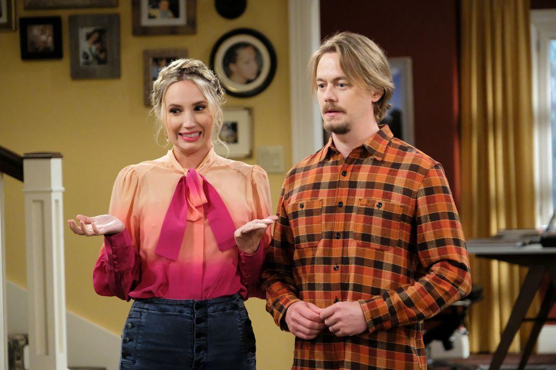 Mandy Baxter (Molly McCook, l.); Kyle Anderson (Christoph Sanders, r.) - Bildquelle: Patrick Wymore 2020 Fox Media LLC. / Patrick Wymore
