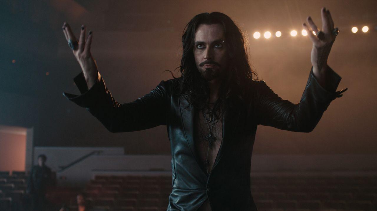 Auch der Zauberer und angebliche Vampir-Experte Peter Vincent (David Tennant) will zunächst Charleys Behauptungen keinen Glauben schenken. Doch dan... - Bildquelle: Lorey Sebastian, John Bramley Dreamworks Studios.  All rights reserved