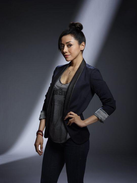 (2. Staffel) - Die neue Rechtsmedizinerin Ella Lopez (Aimee Garcia) ahnt noch nicht, auf was sie sich bei der Zusammenarbeit mit Chloe und Lucifer d... - Bildquelle: 2016 Warner Brothers