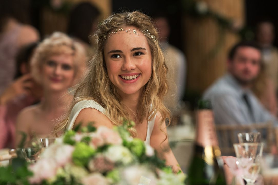 Während Bethany (Suki Waterhouse) an ihrer Hochzeit mit Alex den schönsten Tag ihres Lebens hat, ist es für Rosie eher ein absoluter Alptraum ... - Bildquelle: Constantin Film Verleih GmbH
