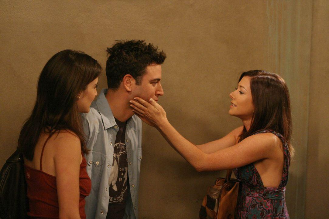Lily (Alyson Hannigan, r.) ist wieder in New York und Robin (Cobie Smulders, l.) und Ted (Josh Radnor, M.) ünterstützen sie dabei, eine Wohnung zu... - Bildquelle: 20th Century Fox International Television