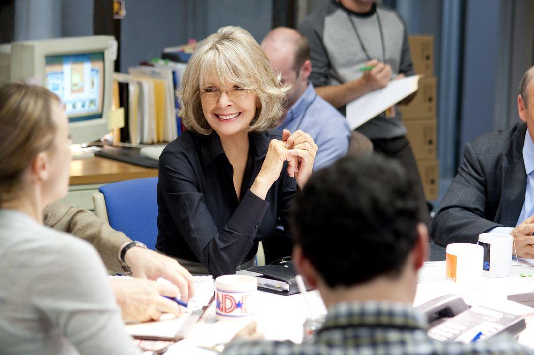 """Colleen Peck (Diane Keaton) ist es leid, die Guten-Morgen-Sendung """"Daybreak"""" zu moderieren, die den ewigen vierten Platz unter den Sendungen im Früh... - Bildquelle: 2010 Paramount Pictures.  All rights reserved."""