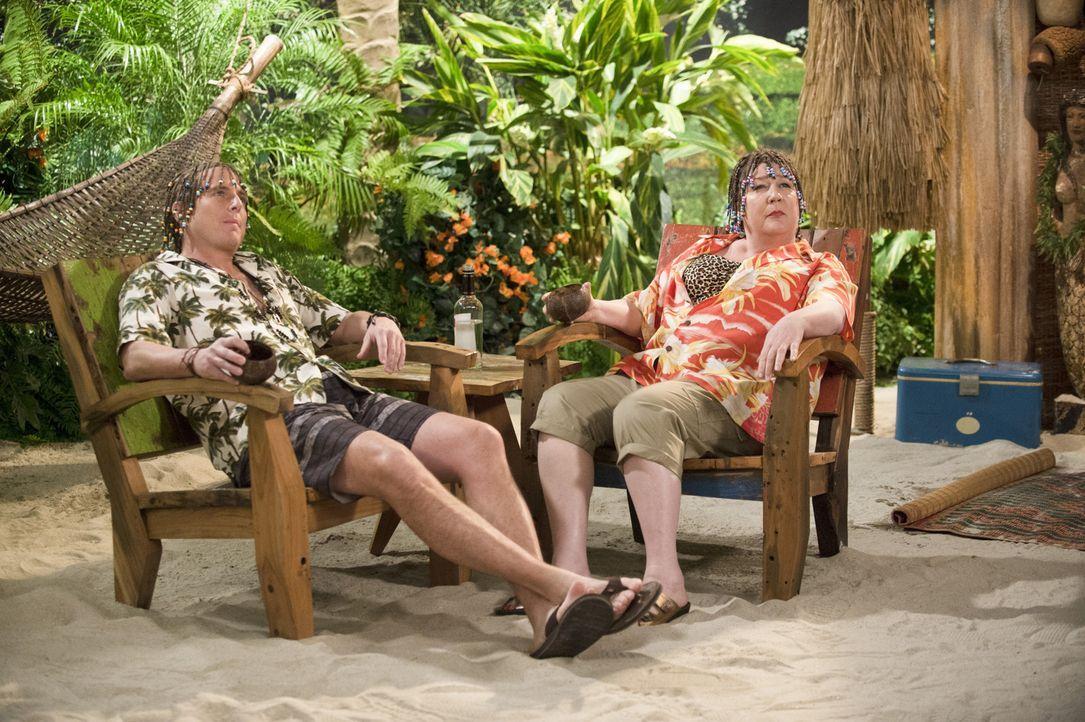 Ein ganz besonderer Urlaub wartet auf Nathan (Will Arnett, l.) und Carol (Margo Martindale, r.) ... - Bildquelle: 2013 CBS Broadcasting, Inc. All Rights Reserved.