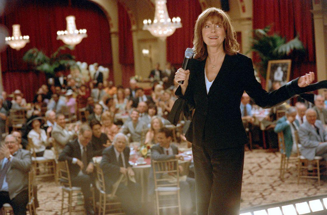 Nach dem Tod ihres Mannes müssen Hollie (Susan Sarandon) und ihre Kinder eine Trauerfeier organisieren. Doch das ist bei der chaotischen Familie gar... - Bildquelle: Paramount Pictures