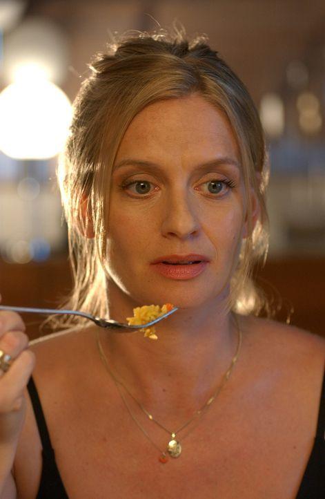 Die attraktive Julie (Gunda Ebert) steht vor den Scherben ihrer Ehe. Ihr Mann interessiert sich nur noch für seinen Job und junge Dinger. Doch nach... - Bildquelle: Elke Werner ProSieben
