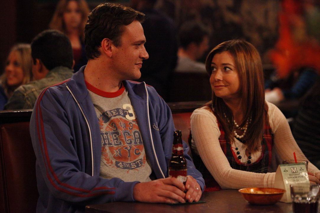 Sind glücklich miteinander: Marshall (Jason Segel, l.) und Lily (Alyson Hannigan, r.) ... - Bildquelle: 20th Century Fox International Television