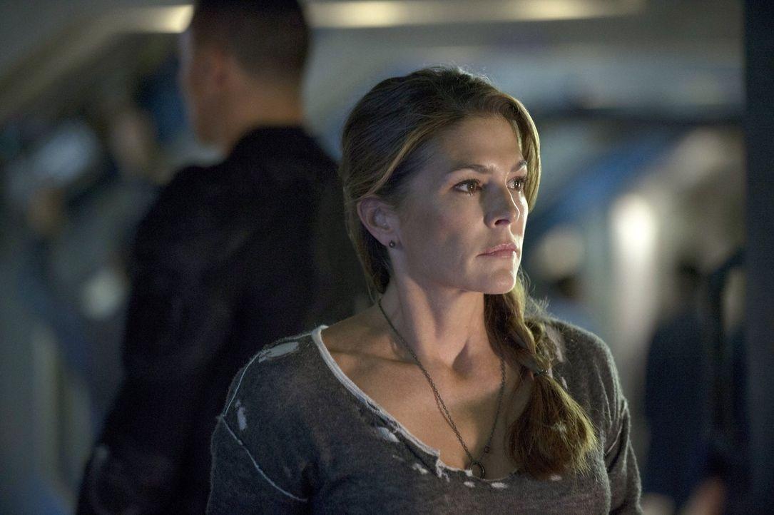 Dr. Abigail Griffin (Paige Turco) gibt die Hoffnung nicht auf, doch ihre Unterstützer werden immer weniger ... - Bildquelle: Warner Brothers