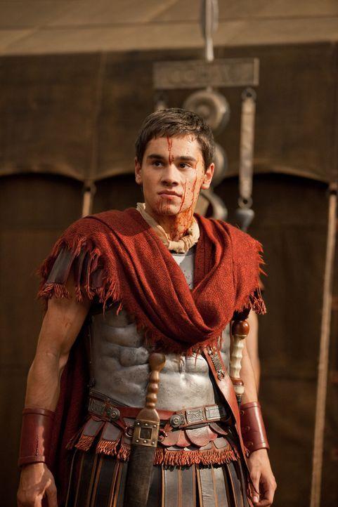Glaubt, mit einigen wenigen Soldaten Spartacus besiegen zu können: Tiberius (Christian Antidormi) ... - Bildquelle: 2012 Starz Entertainment, LLC. All rights reserved.