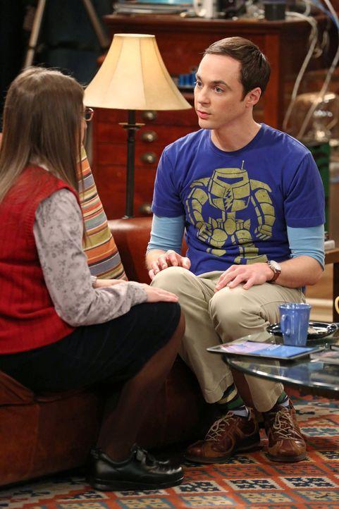 Am Valentinstag hat Amy (Mayim Bialik, l.) eine ganz besondere Überraschung für Sheldon (Jim Parsons, r.): Sie will mit ihm in einem original restau... - Bildquelle: Warner Brothers