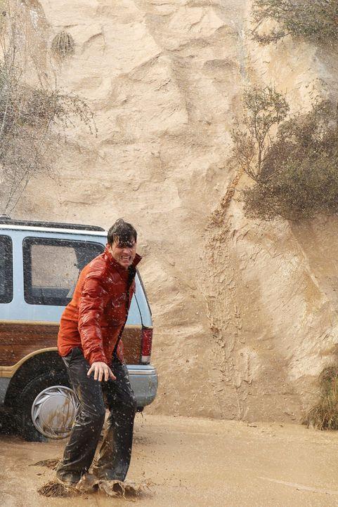 Versucht, Alan zu retten, doch wird es ihm gelingen? Walden (Ashton Kutcher ) ... - Bildquelle: Warner Brothers Entertainment Inc.