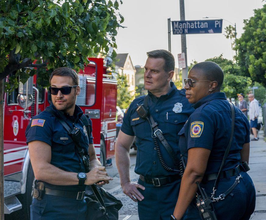 """(v.l.n.r.) Eddie Diaz (Ryan Guzman); Bobby Nash (Peter Krause); Henrietta """"Hen"""" Wilson (Aisha Hinds) - Bildquelle: Jack Zeman 2019-2020 Twentieth Century Fox Film Corporation.  All rights reserved. / Jack Zeman"""