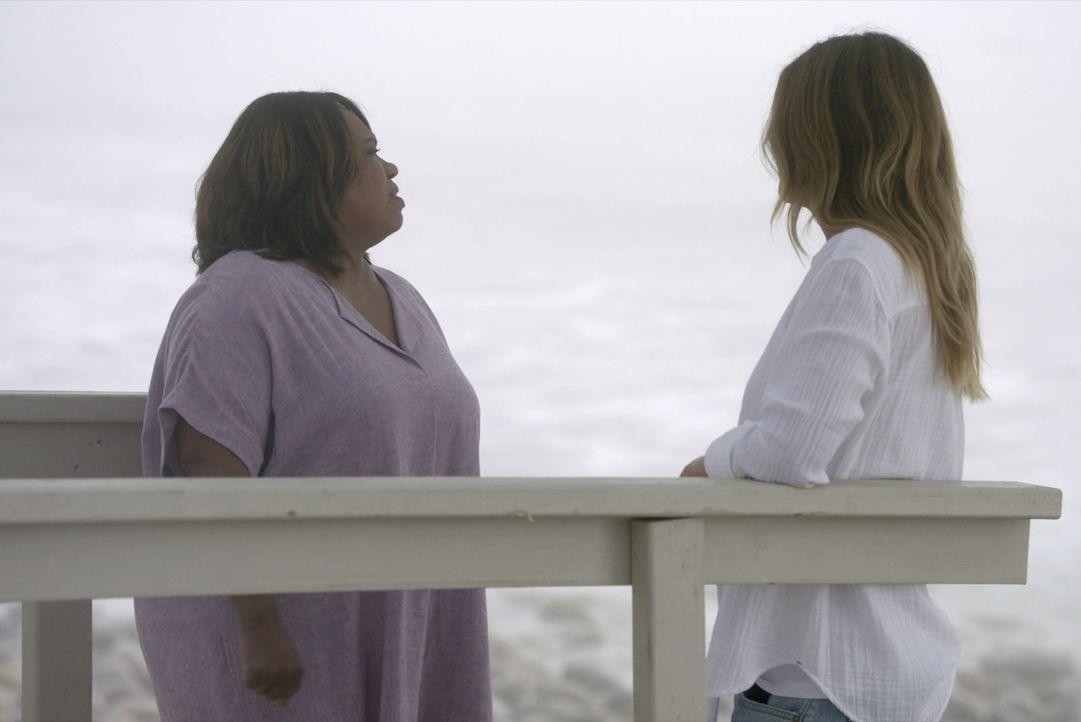 Dr. Miranda Bailey (Chandra Wilson, l.); Dr. Meredith Grey (Ellen Pompeo, r.) - Bildquelle: 2020 American Broadcasting Companies, Inc. All rights reserved.