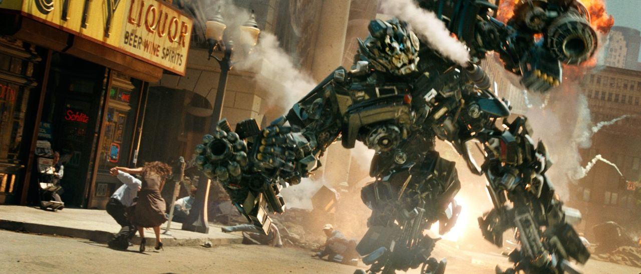 Transformer sind fühlende, denkende Maschinenwesen, die sich als Autos, Panzer oder Flugzeuge tarnen können. Auf der Suche nach dem Energon Cube,... - Bildquelle: 2008 DREAMWORKS LLC AND PARAMOUNT PICTURES CORPORATION. ALL RIGHTS RESERVED.