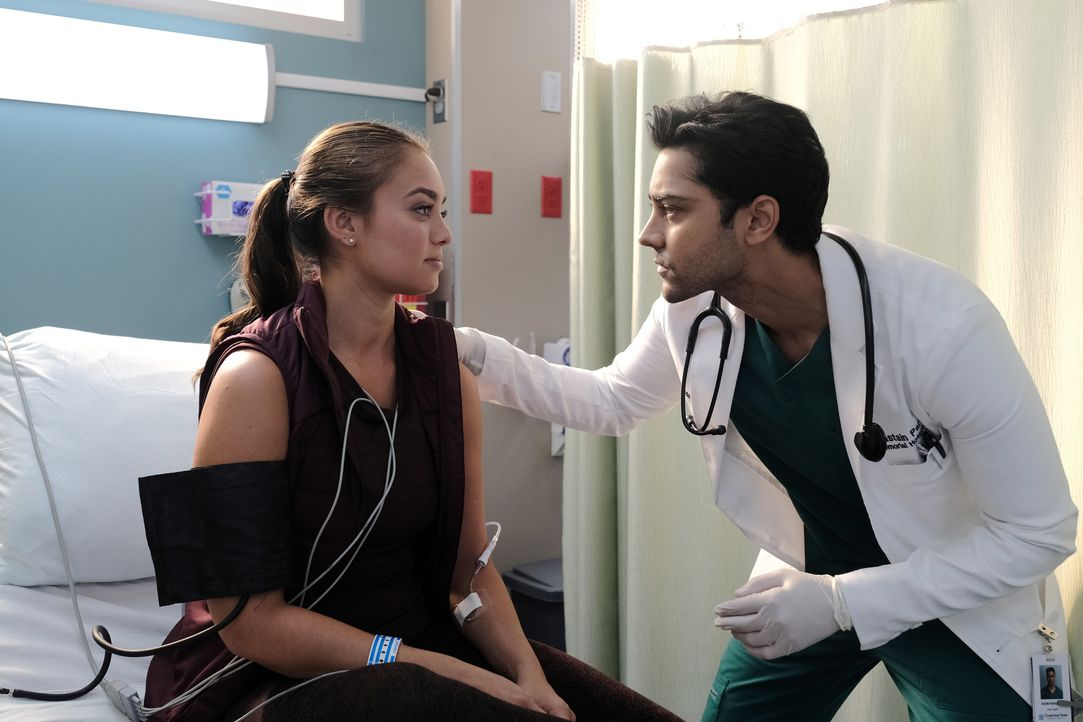 Nadine Suheimat (Shazi Raja, l.); Dr. Devon Pravesh (Manish Dayal, r.) - Bildquelle: Guy D'Alema 2019-2020 Twentieth Century Fox Film Corporation.  All rights reserved. / Guy D'Alema
